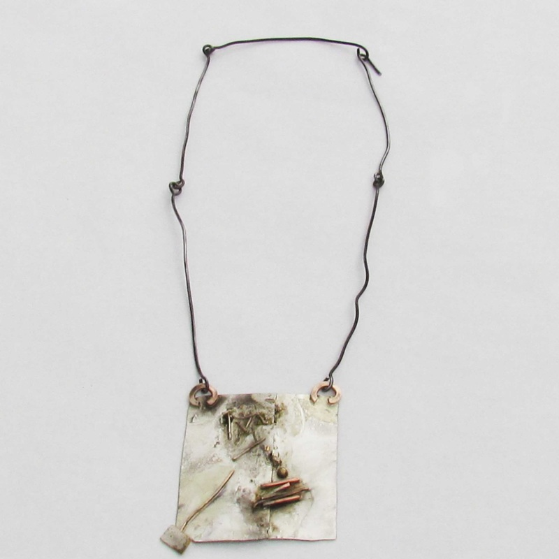 Conceptual necklace by Roxy Lentz